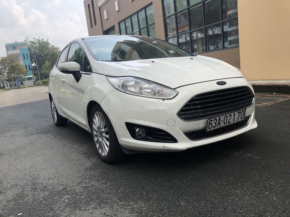 Cần bán gấp Ford Fiesta năm sản xuất 2014, xe nguyên bản