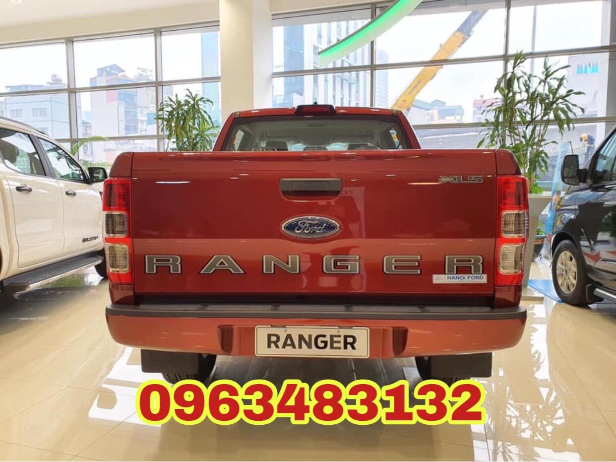 Cần bán xe Ford Ranger XLS 2.2L 4x2 AT đời 2020, nhập khẩu