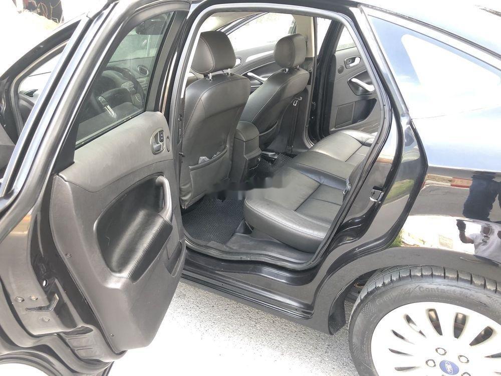 Bán Ford Mondeo đời 2010, màu đen, xe gia đình