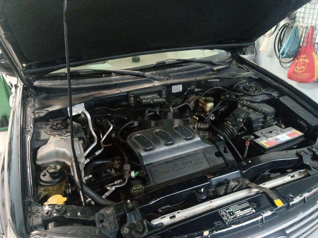 Bán Ford Escape đời 2004, màu đen, xe nhập