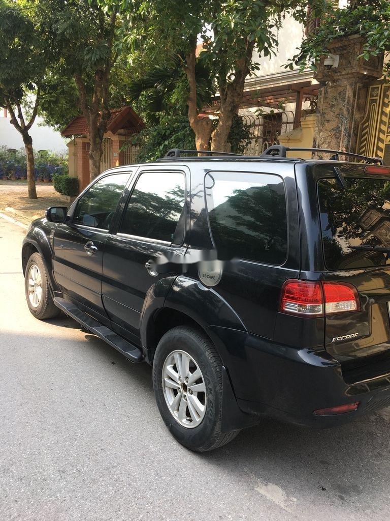 Cần bán gấp Ford Escape 2.3 năm 2011, màu đen