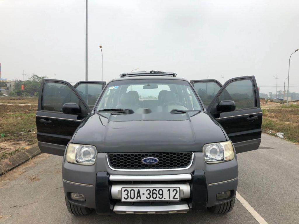 Cần bán gấp Ford Escape đời 2002, màu đen
