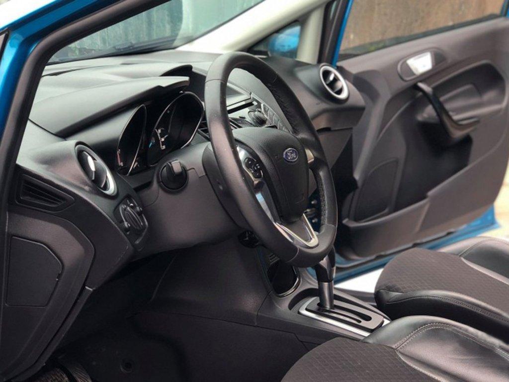 Bán Ford Fiesta đời 2015, màu xanh lam, chính chủ