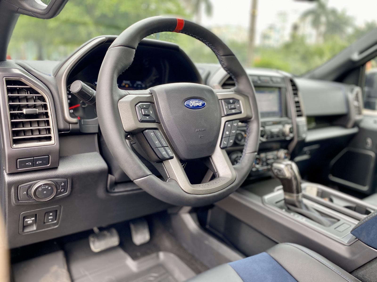 Cần bán Ford F150 Raptor sản xuất 2020, màu đen, xe nhập Mỹ, mới 100%