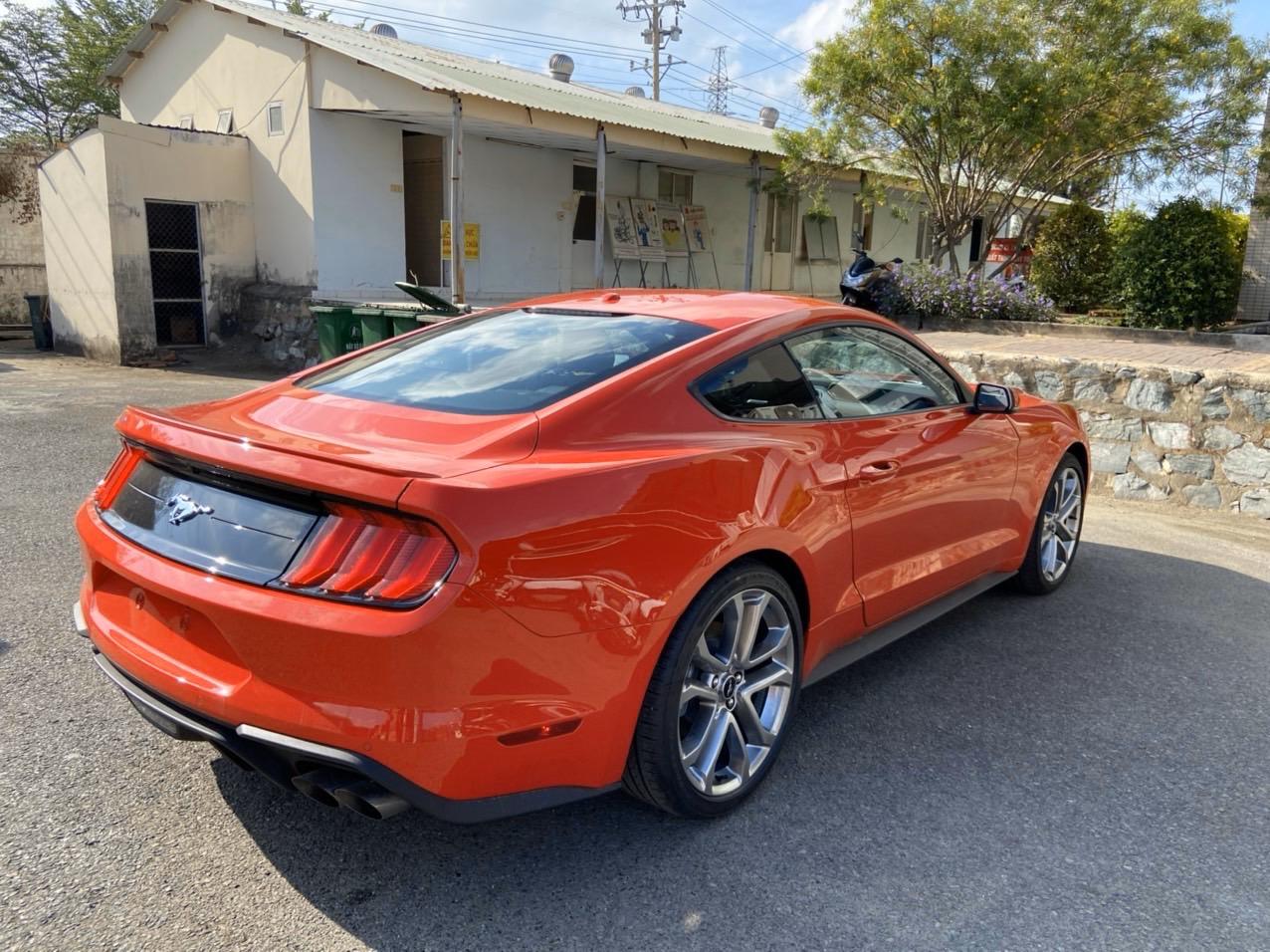 Ford Mustang 2.3 Ecoboot 2020, màu đỏ, nhập khẩu Mỹ - Giao ngay