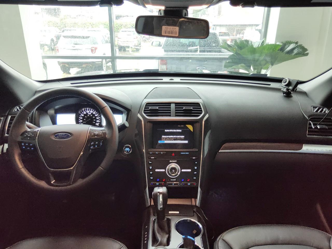 Bán ô tô Ford Explorer 2020, màu đỏ, nhập khẩu nguyên chiếc