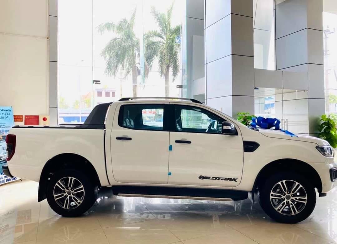 Cần bán lại xe Ford Ranger AT đời 2020, màu trắng, xe nhập