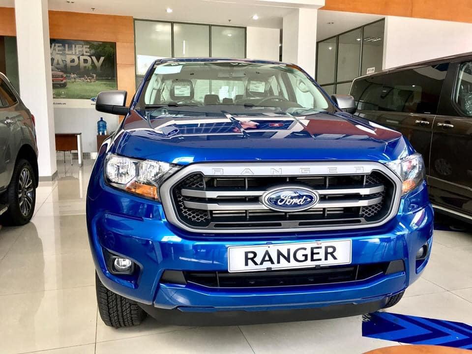 Cần bán Ford Ranger XLS AT 4*2, màu xanh