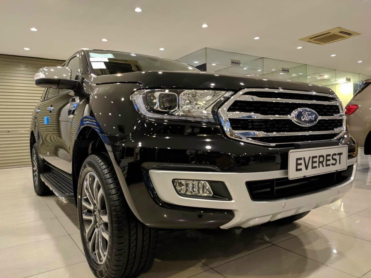 Bán Ford Everest Biturbo đời 2020, màu đen, nhập khẩu chính hãng