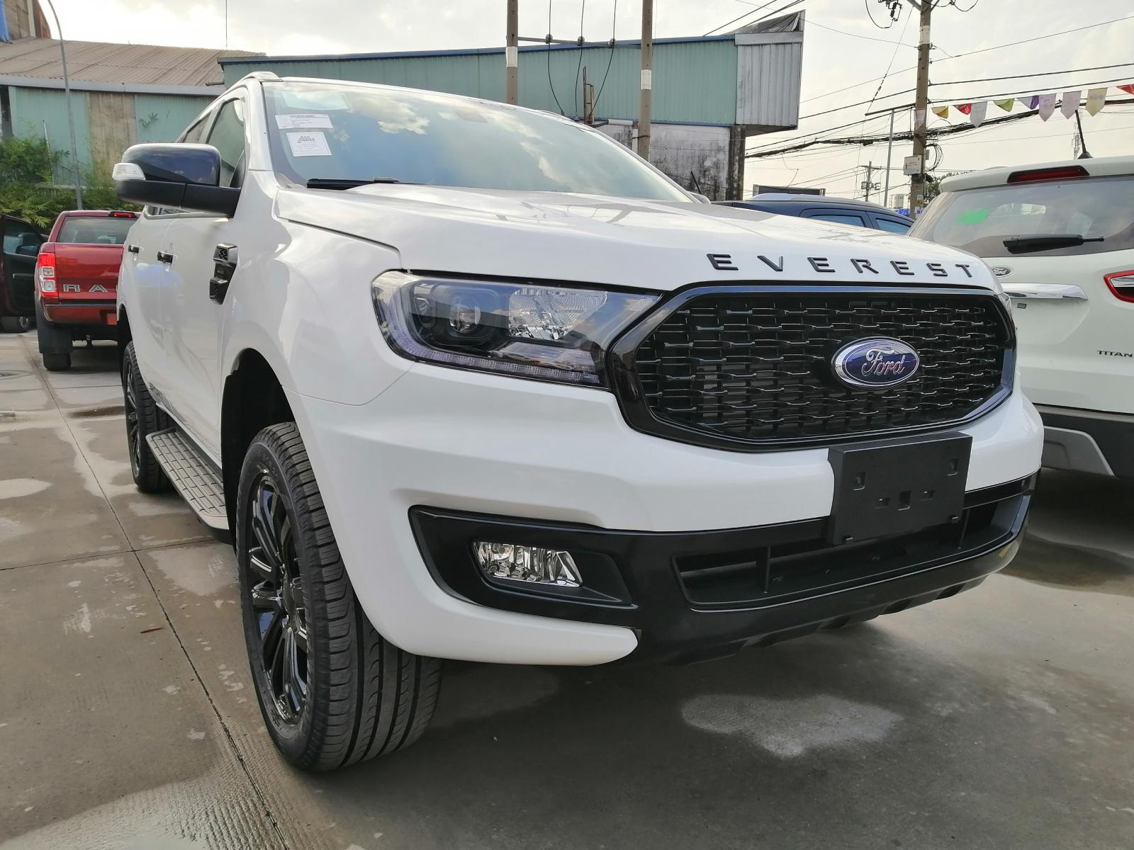 Bán xe Ford Everest Sport đời 2021, màu trắng, nhập khẩu chính hãng