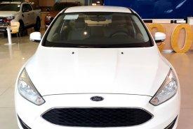 Bán xe Ford Focus tặng BHVC + Phim cách nhiệt + DVD + Camera, chỉ cần trả trước 20%, có xe giao ngay giá 626 triệu tại Tp.HCM