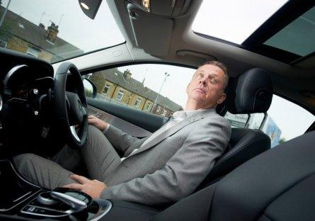 Gần 750.000 chiếc Mercedes có nguy cơ bung cửa sổ trời